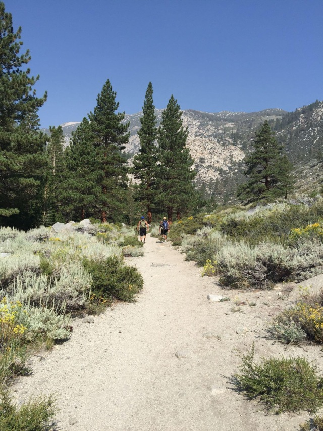 Big Pine Lakes trail
